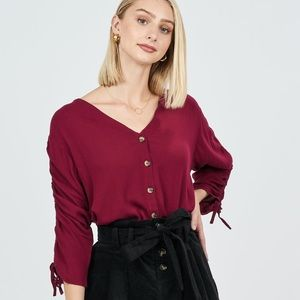 3/4 SLEEVE BURGANDY BUTTON DOWN TOP